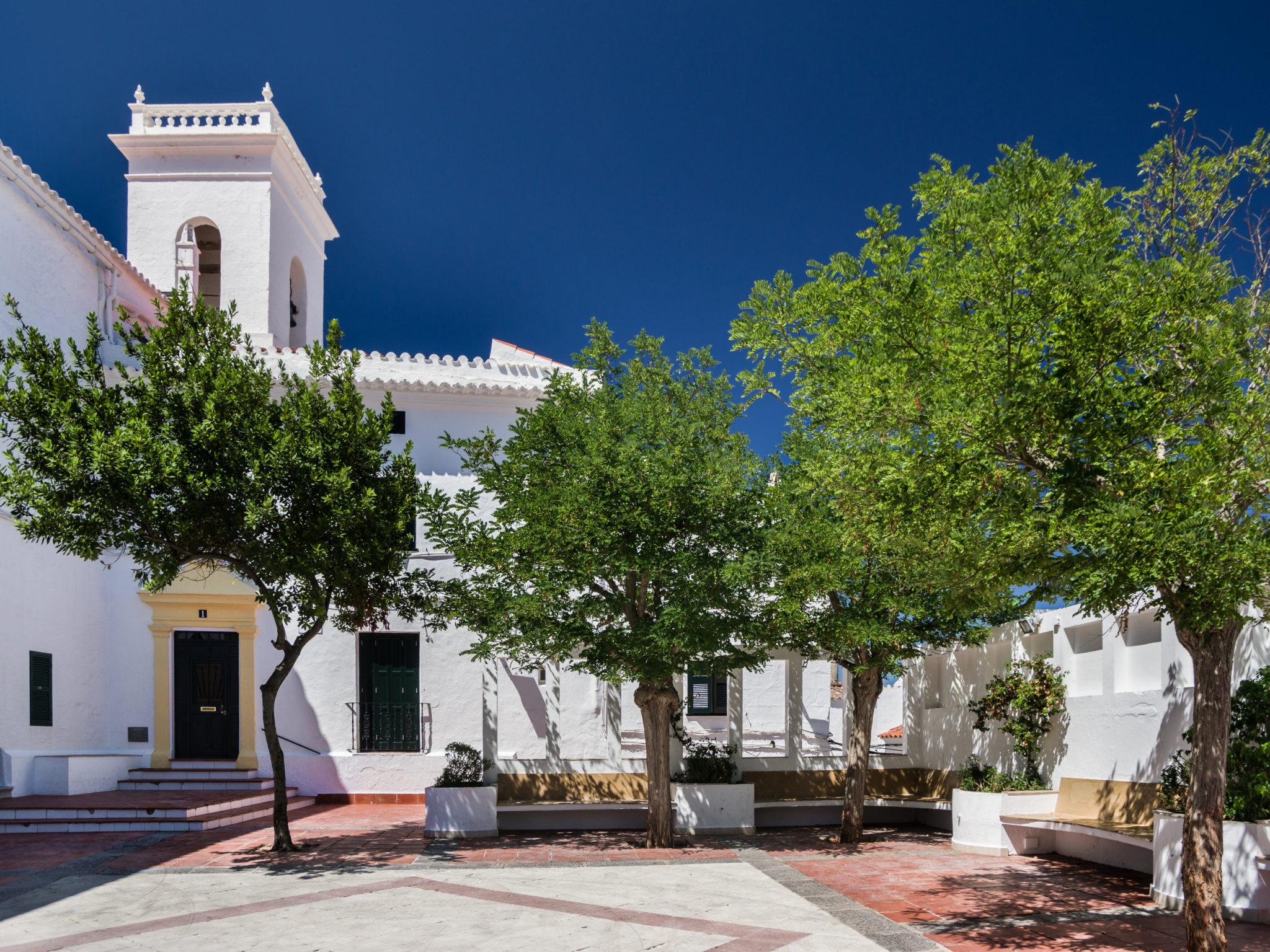 Es Mercadal auf Menorca