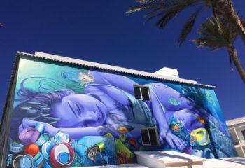 Meerjungfrau Graffito im Hotel Surfing Colors