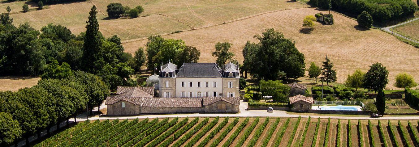 Blick auf das Chateau Carbonneau