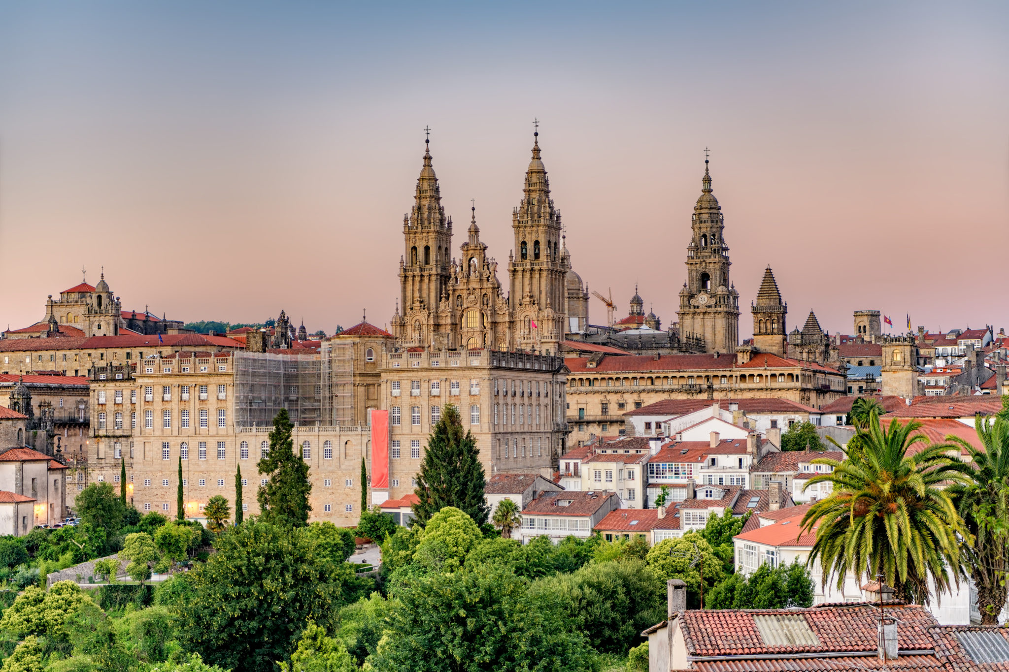 Sonnenuntergang über der Kathedrale von Santiago de Compostela