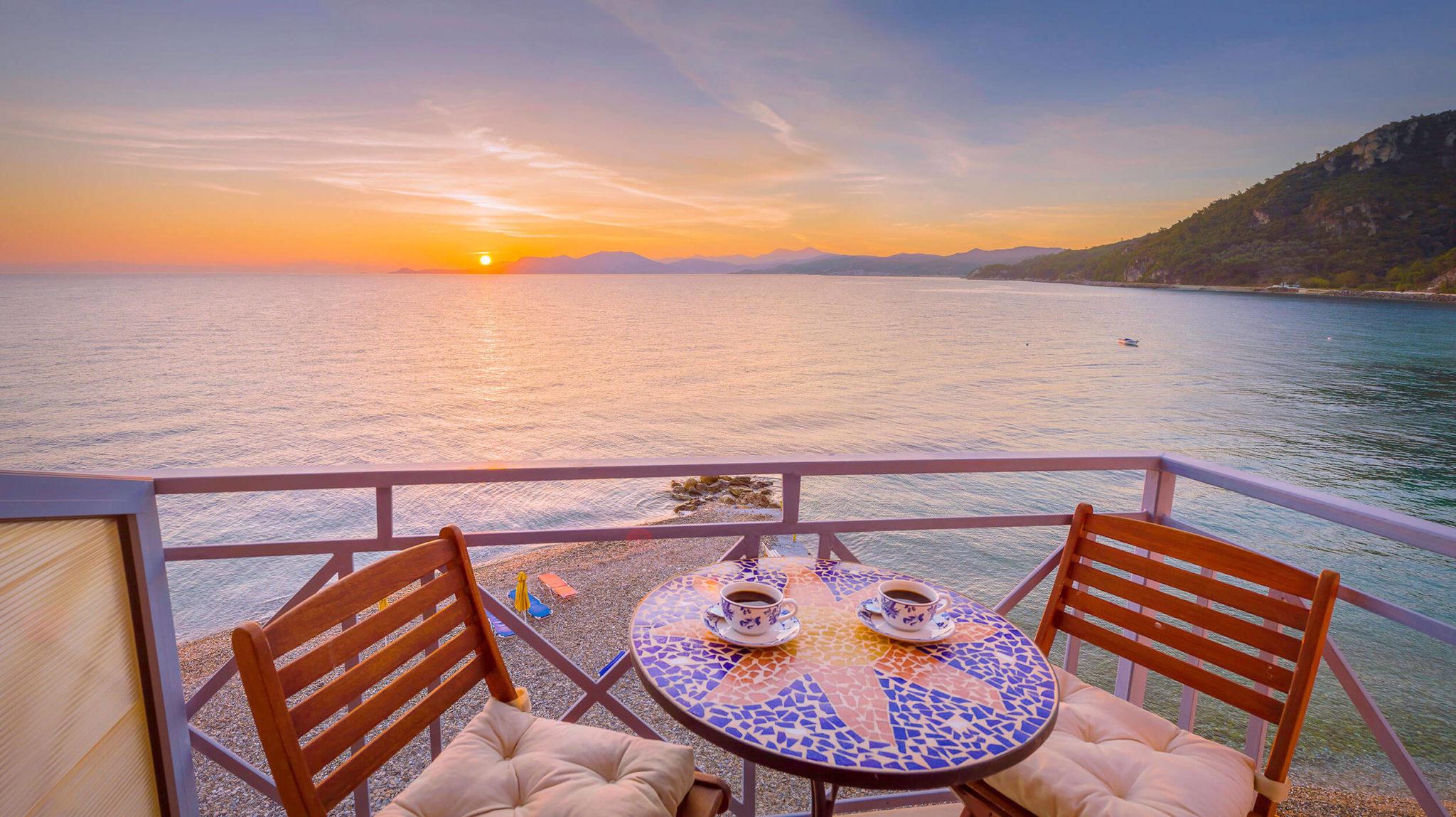 Traumhafter Ausblick auf das Meer vom Hotel Avlakia